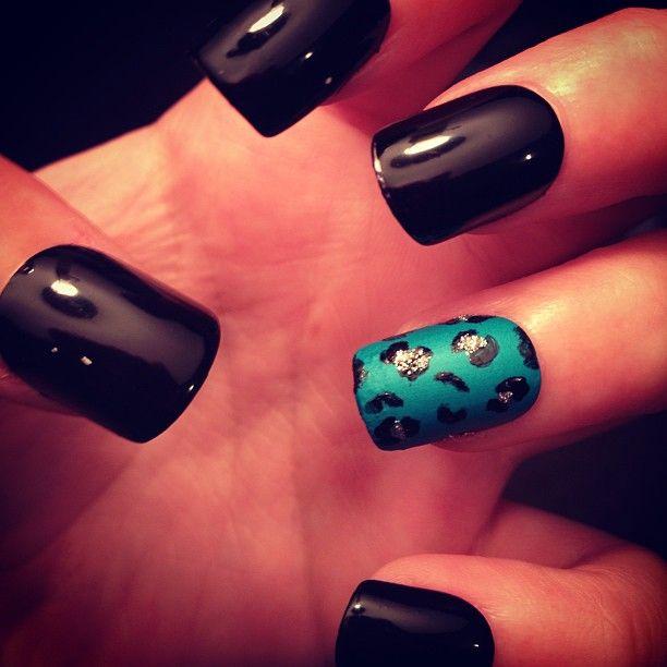 Black acrylics teal accent nail fmag black acrylics teal accent nail prinsesfo Image collections