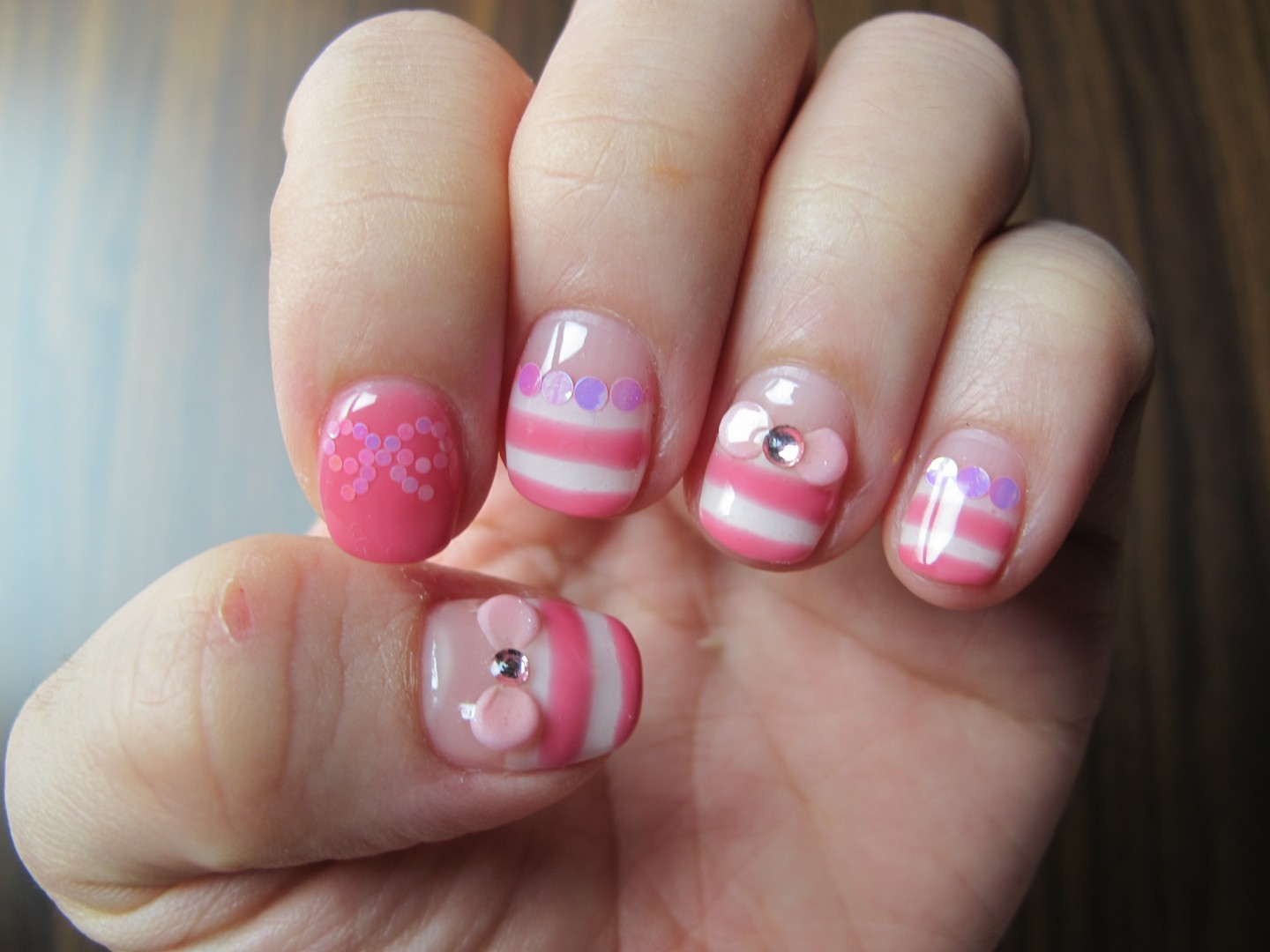 sweet pink and white nails - FMag.com