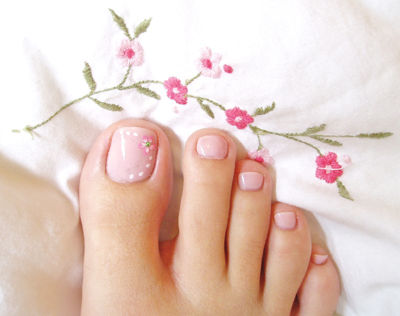 soft pink toe nail art - Soft Pink Toe Nail Art - FMag.com