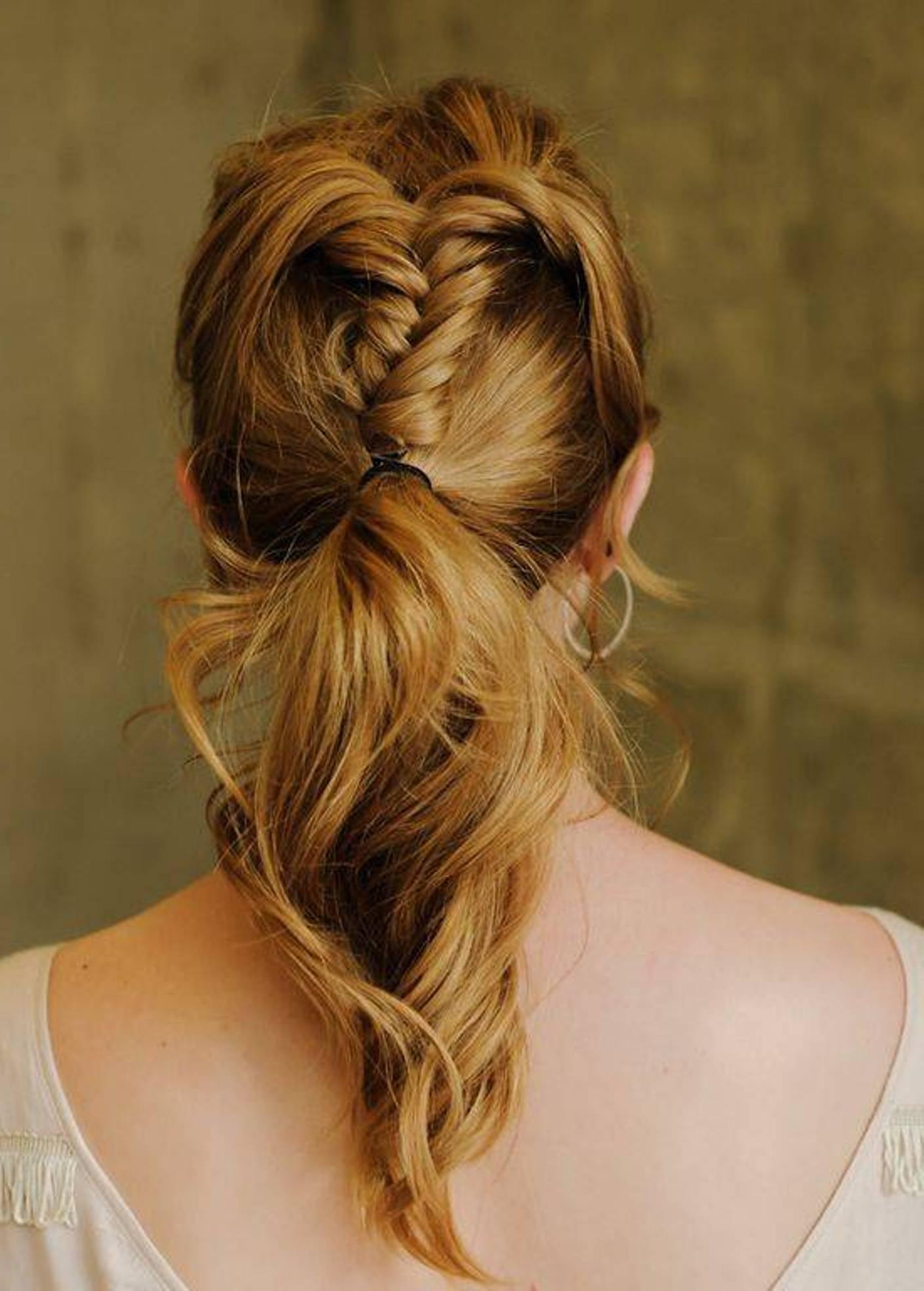Вечерняя прическа хвост на средние волосы фото