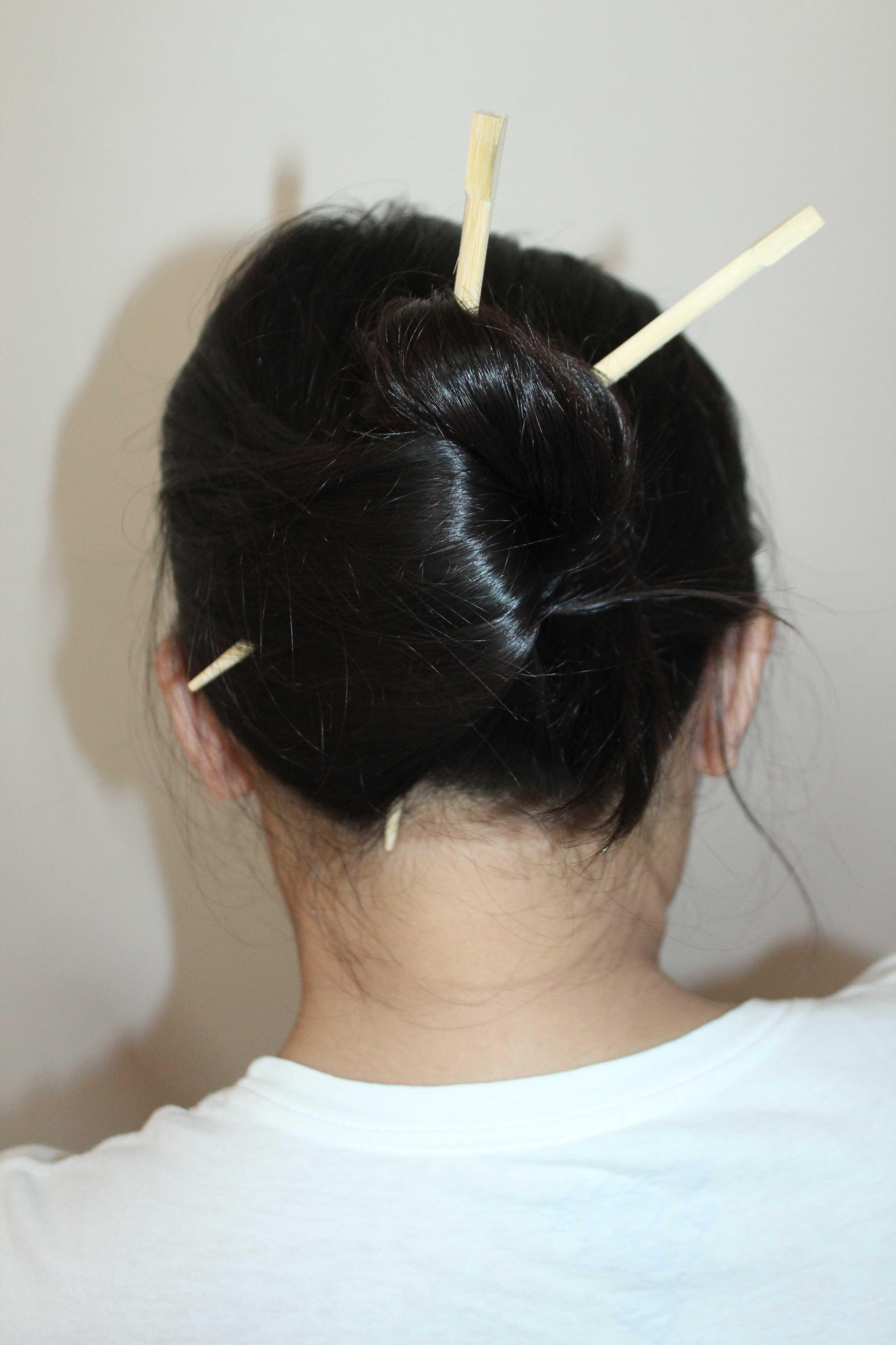 how to make a bun with chopsticks