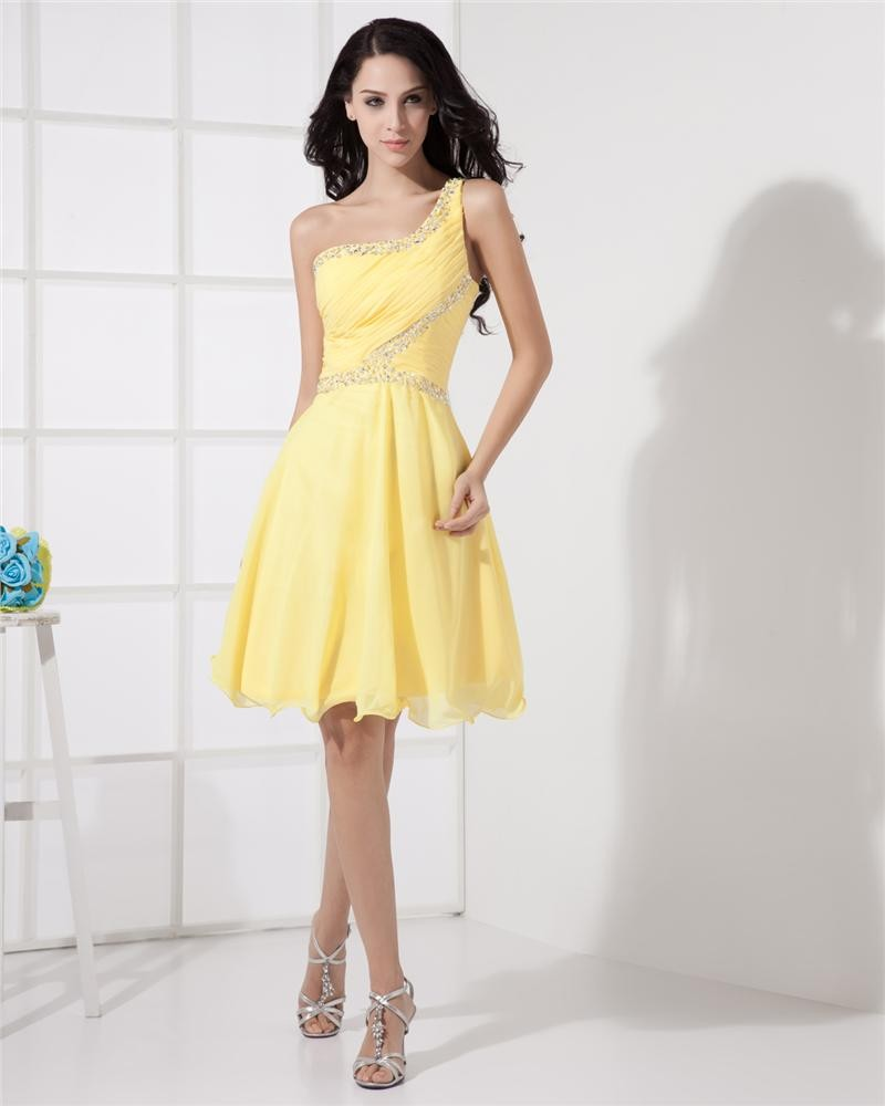 11 Stunning Yellow Cocktail Dress Ideas You Should Try - FMag.com