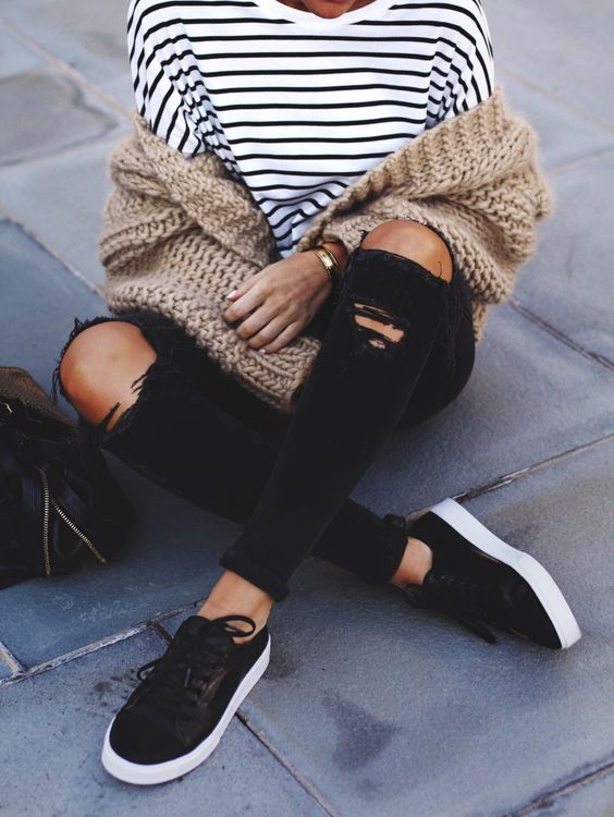 609c82b961 How to Wear Black Sneakers for Women and Look Stylish - FMag.com